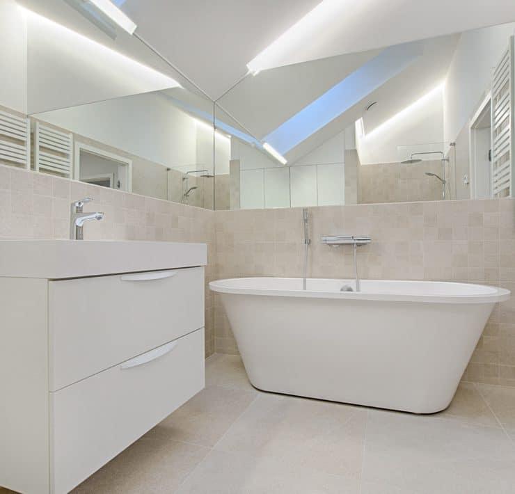 bathroom-tub-shower
