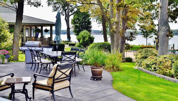 backyard-improvements-entertaining-home-patio