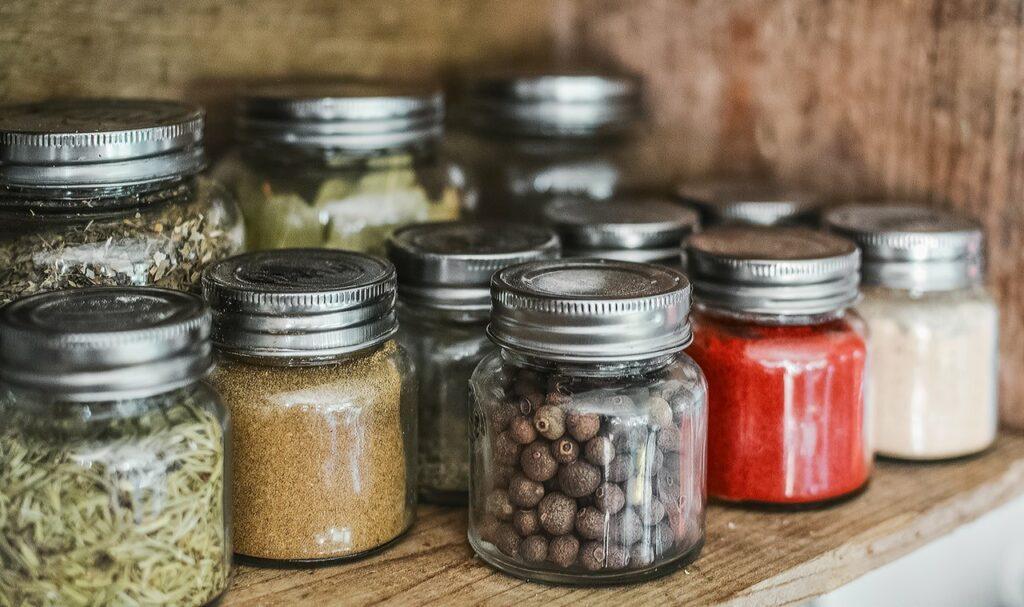 Kitchen ingredients storage