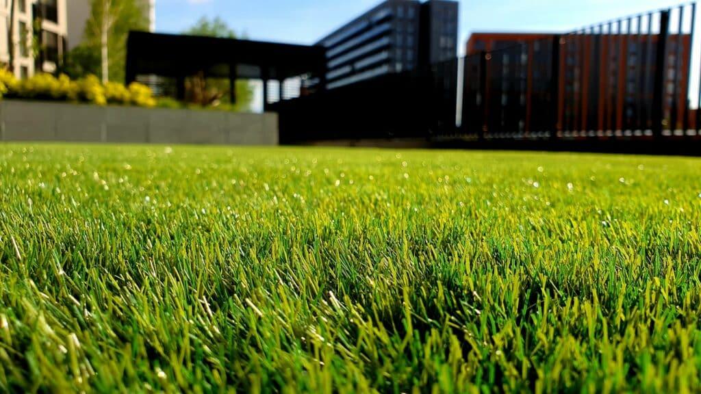 fake grass small backyard landscaping ideas