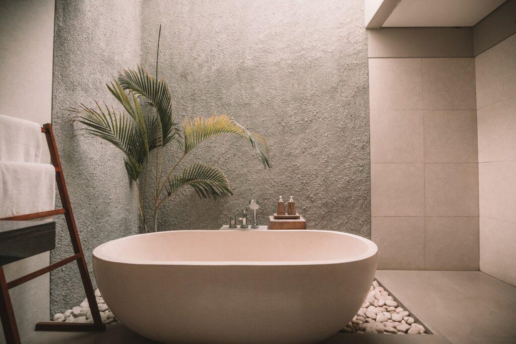 Decor ideas for modern bathroom