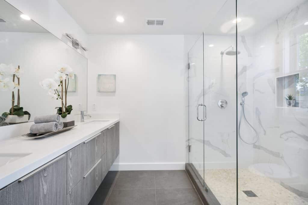 ways to light your bathroom