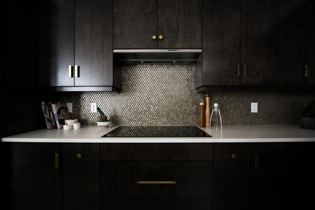 bold color kitchen backsplash mistakes