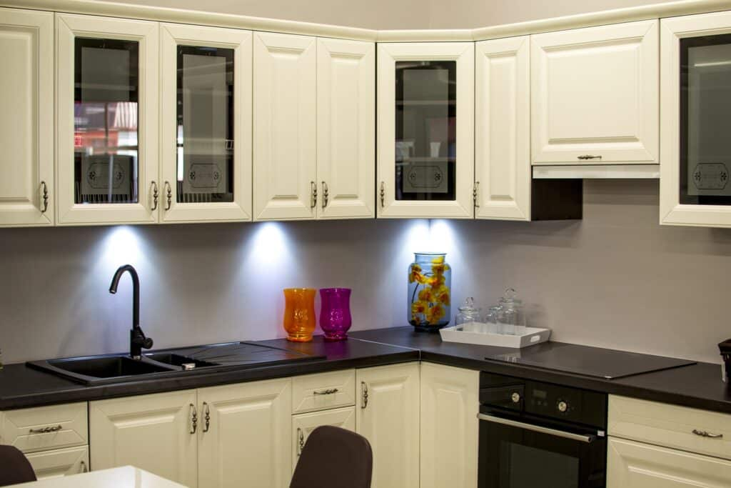 Guide for selecting kitchen cabinets