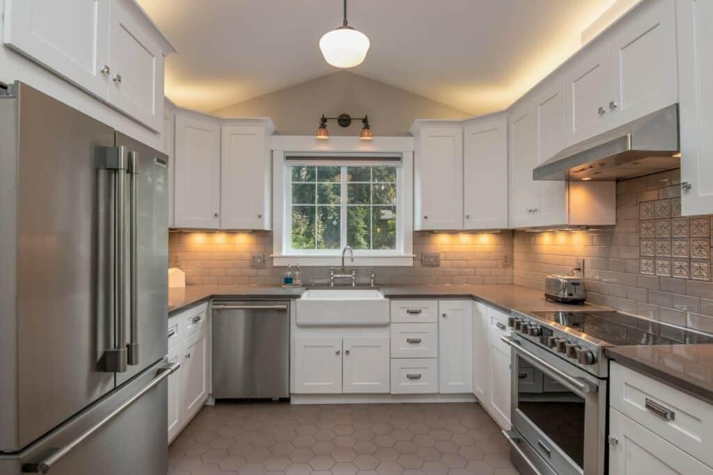 under cabinet types kitchen lighting