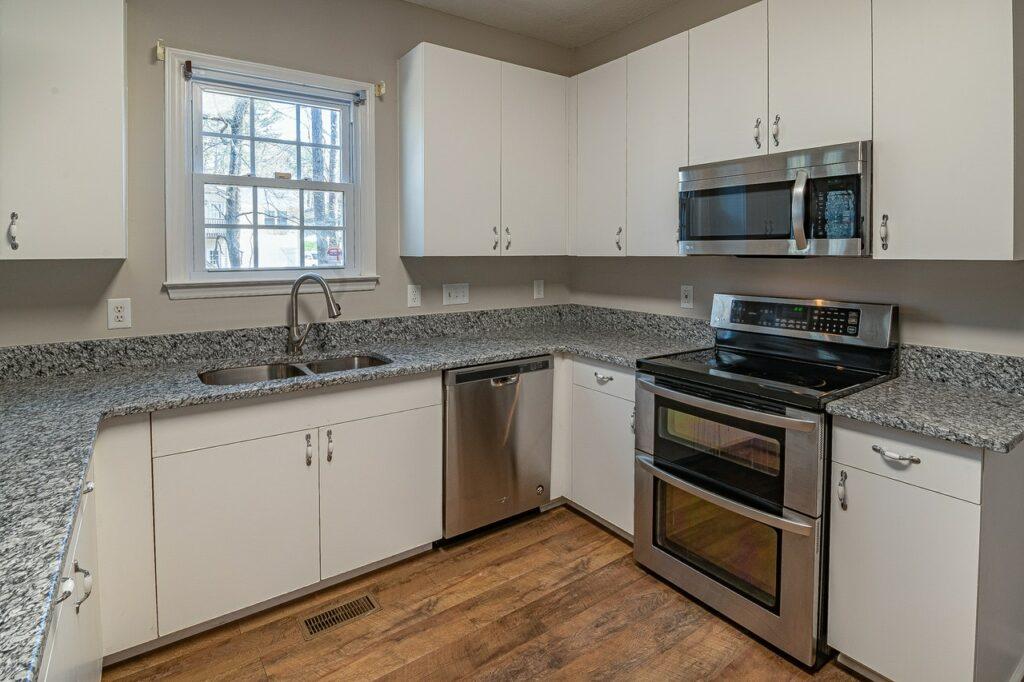 granite countertop pros cons