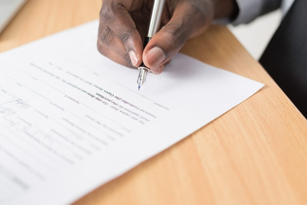 hire general contractor contract